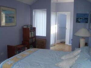 monica's lavender cottage Studio Bedroom